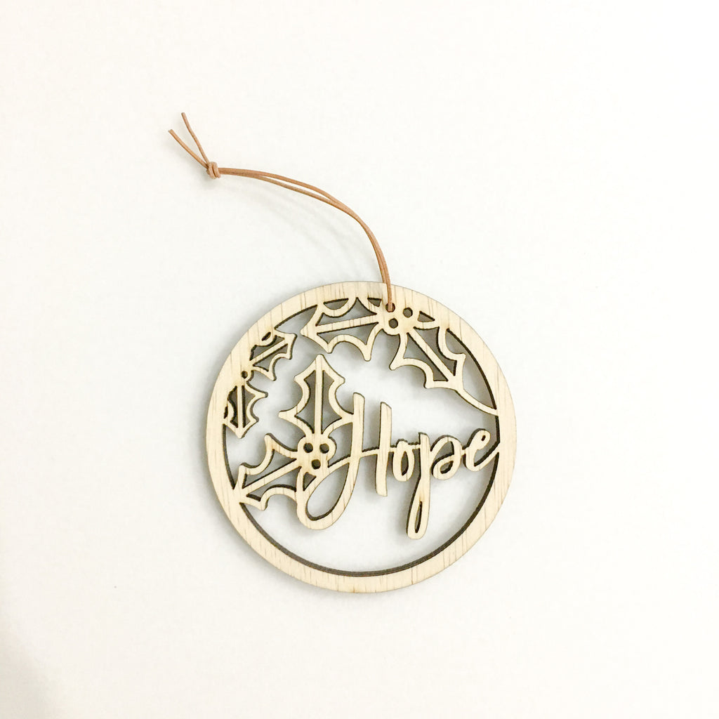 [Sale] Mistletoe Round Ornament -Hope