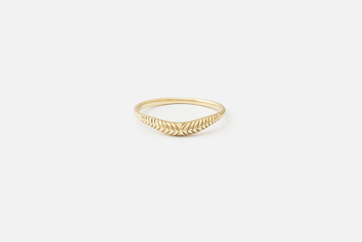Etched Curve I Ring