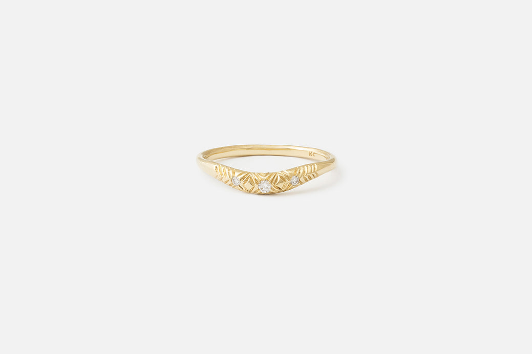 3 Stone Etched Curve I Ring