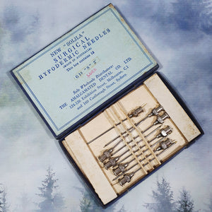 "Vintage ""Solila"" Surgical Hypodermic Needles in Box"
