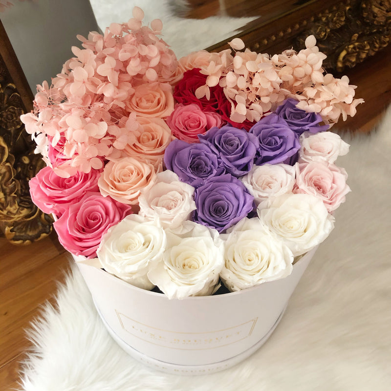 Flirty Box - Luxe Bouquet roses that last a year