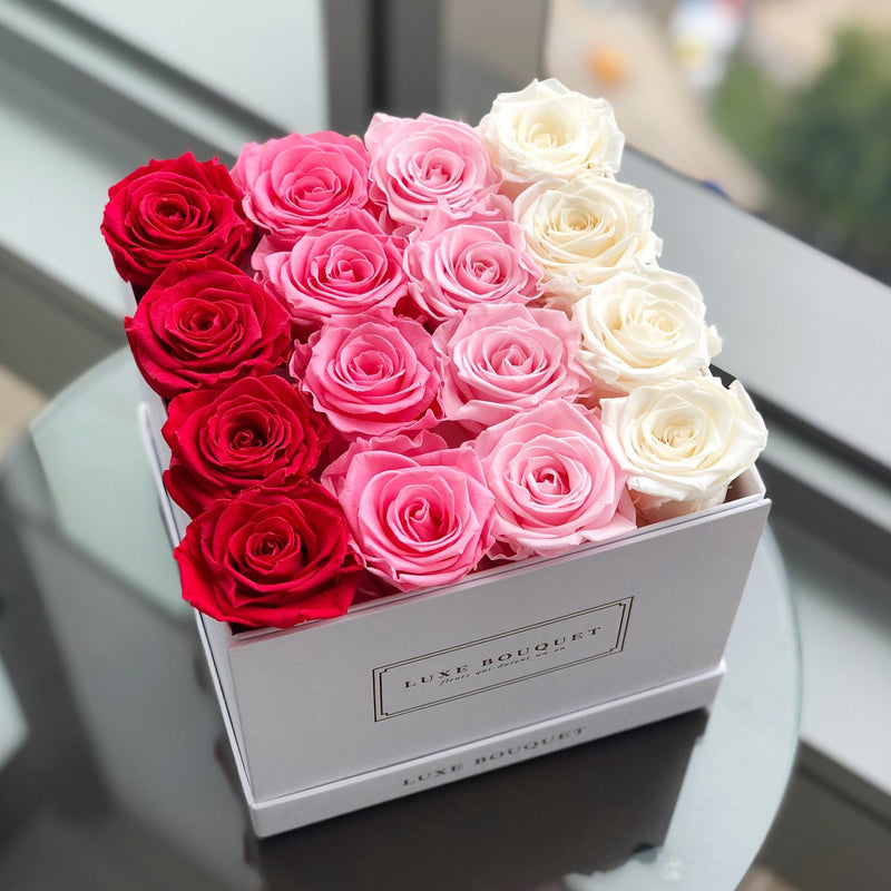 Medium Everlasting Square Box - Ombré - Luxe Bouquet roses that last a year