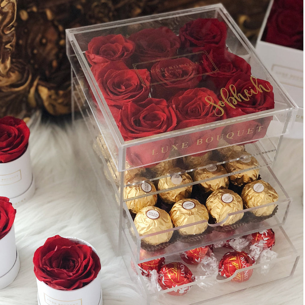 Petite Acryl Box With Chocolates (Sydney Only) - Luxe Bouquet roses that last a year