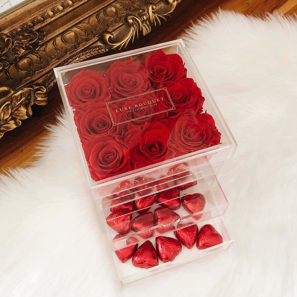 Petite Acryl Box With Heart Chocolates (Sydney Only) - Luxe Bouquet roses that last a year