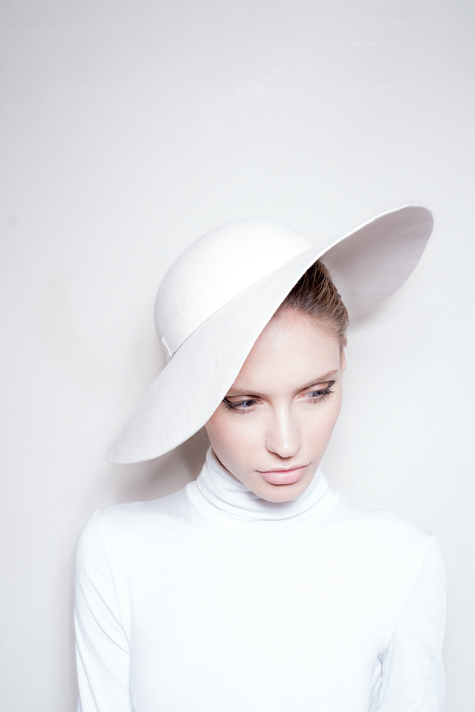 White Collection Hat 04