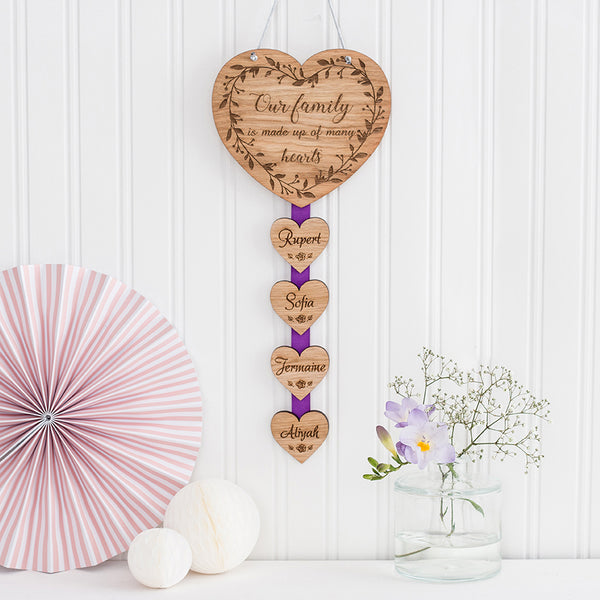 Hanging Wall Plaque 'Our family is made up of many hearts'