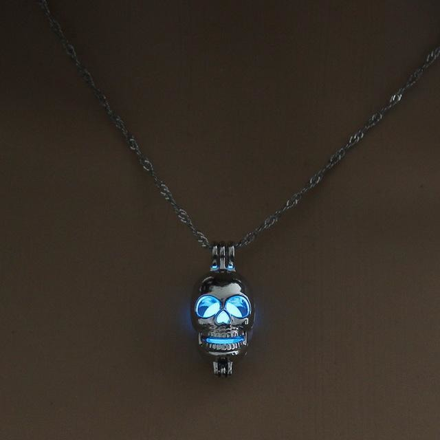 Punk Style Silver Glow in the Dark Skull Pendant Necklace - Skullflow
