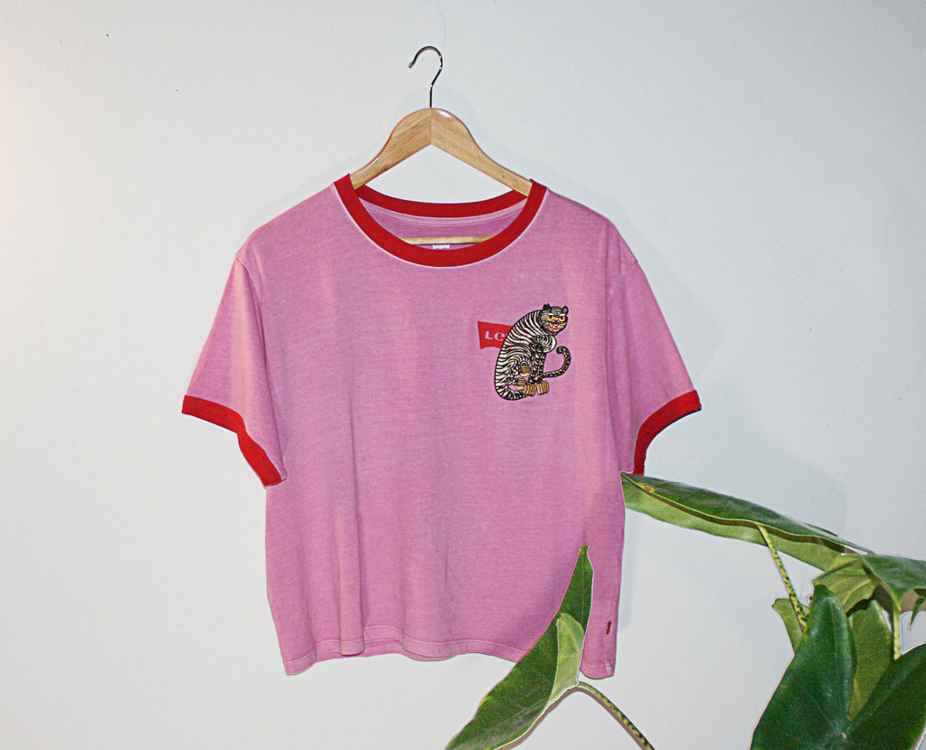 Pink Retro Levi  90s t-shirt upcycled with cloh tiger embroidery