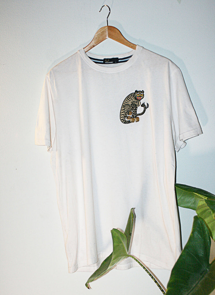 white Retro Fred Perry 90s t-shirt upcycled with cloh tiger embroidery