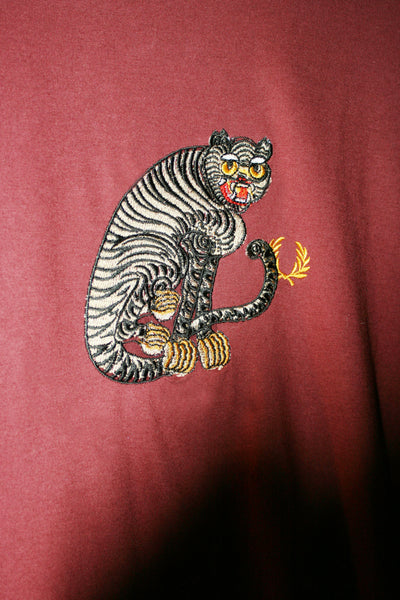 Pre-Loved Retro Tee(Large) with Tiger Logo Embroidery