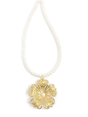 Pearl and Gold Necklace - Goldilocks