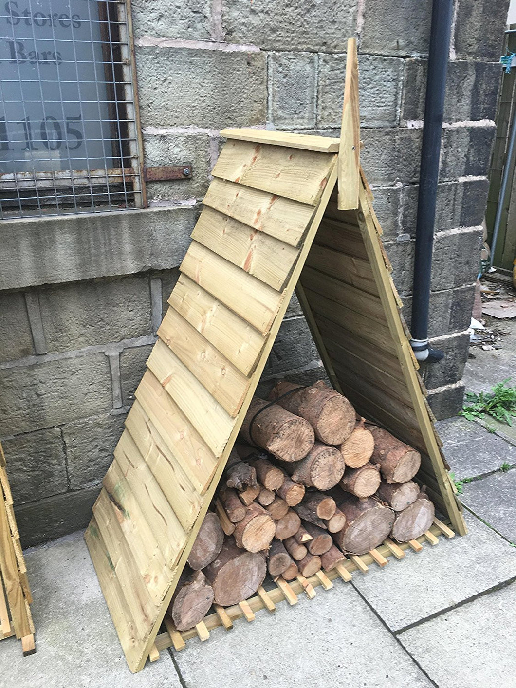 Astounding Pyramid Triangle Log Store Wood House Timber Storage Camellatalisay Diy Chair Ideas Camellatalisaycom