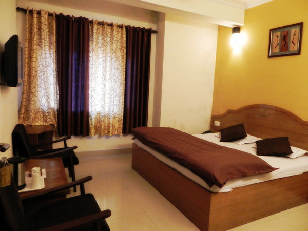 Murud Beach (Alibaug) : Stay in AC Deluxe Room, Jet Ski Ride, Bumper Ride, Banana Ride, Welcome drink, Breakfast & MORE!