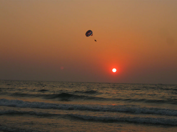 Colva Beach (Goa) : Stay in AC Deluxe Room, Para-sailing, Jet Ski Ride, Ringo Bumper Ride, Welcome drink, Breakfast & MORE!