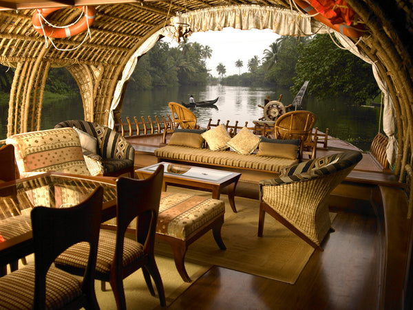 Alappuzha Houseboat (Full Day): Stay in Deluxe AC Houseboats with all Meals and More!