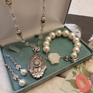 Pearl Bracelet with Rose Charms