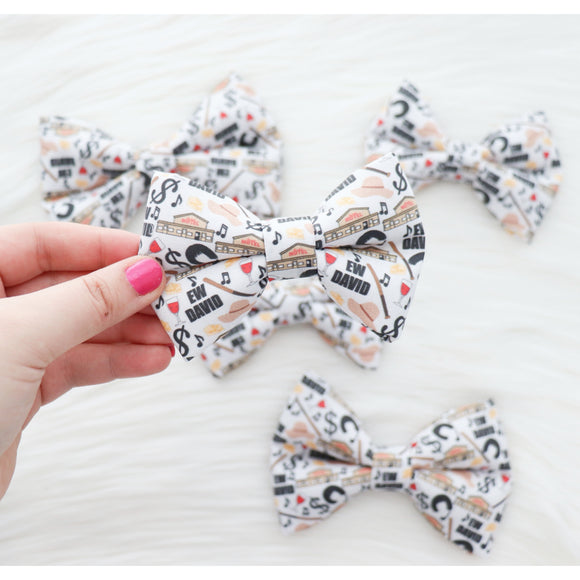 SCHITTS CREEK - DOG BOW TIE BY DAPPER DEXTER