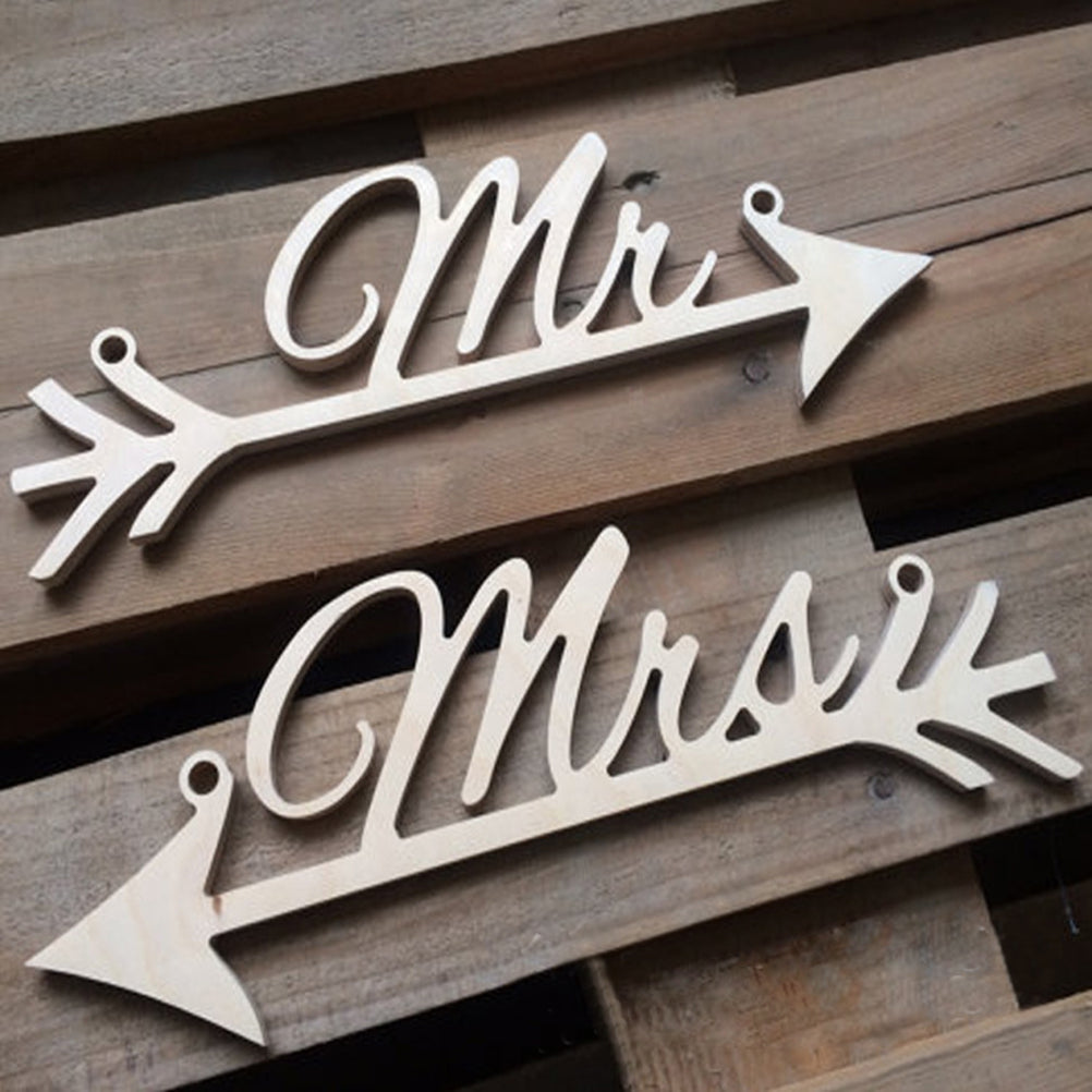 Rustic Mr & Mrs Hanging Sign