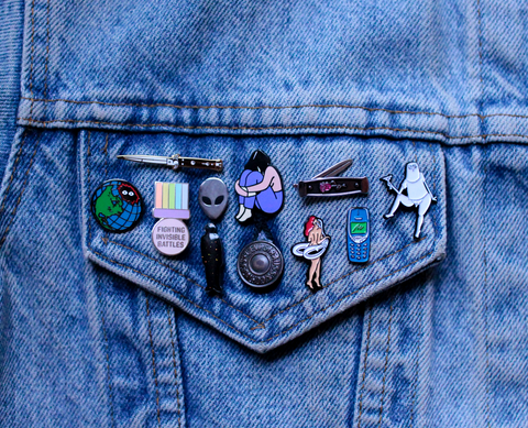 How-to-make-enamel-pins-small-pin-size-mockup