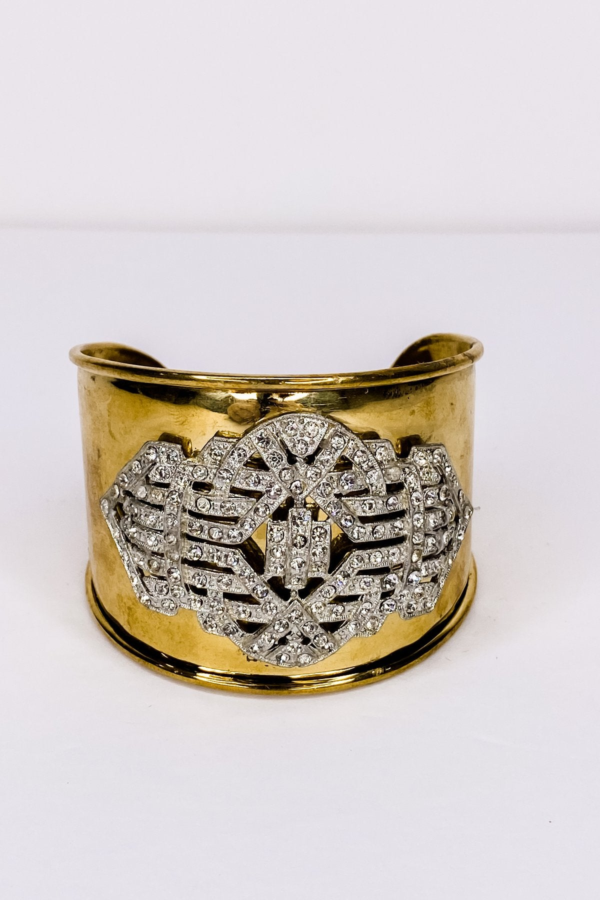 Vintage-inspired jewelry cuff