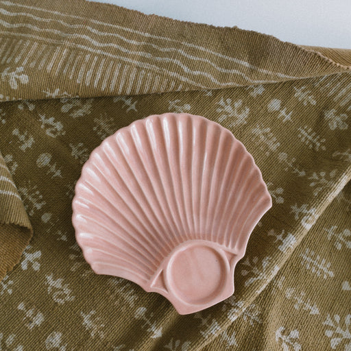 Vintage Pink Scallop Shell Tray | Ceramic Shell Dish