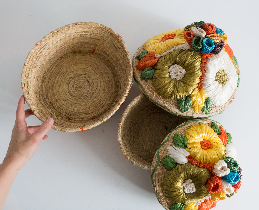 Vintage Straw Flower Nesting Baskets