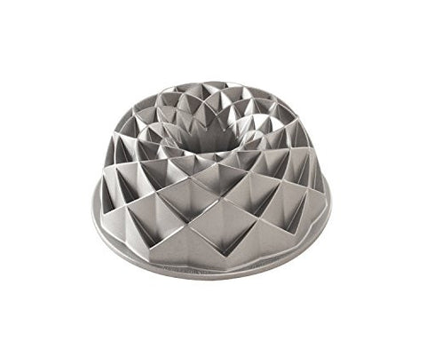 Nordic Ware 2.3 Litre/ 10 Cup Cast Aluminium Jubilee Bundt Cake Pan - Country Kitchenware