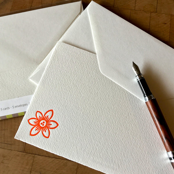 lifestyle image of pointed clematis letterpress flat note