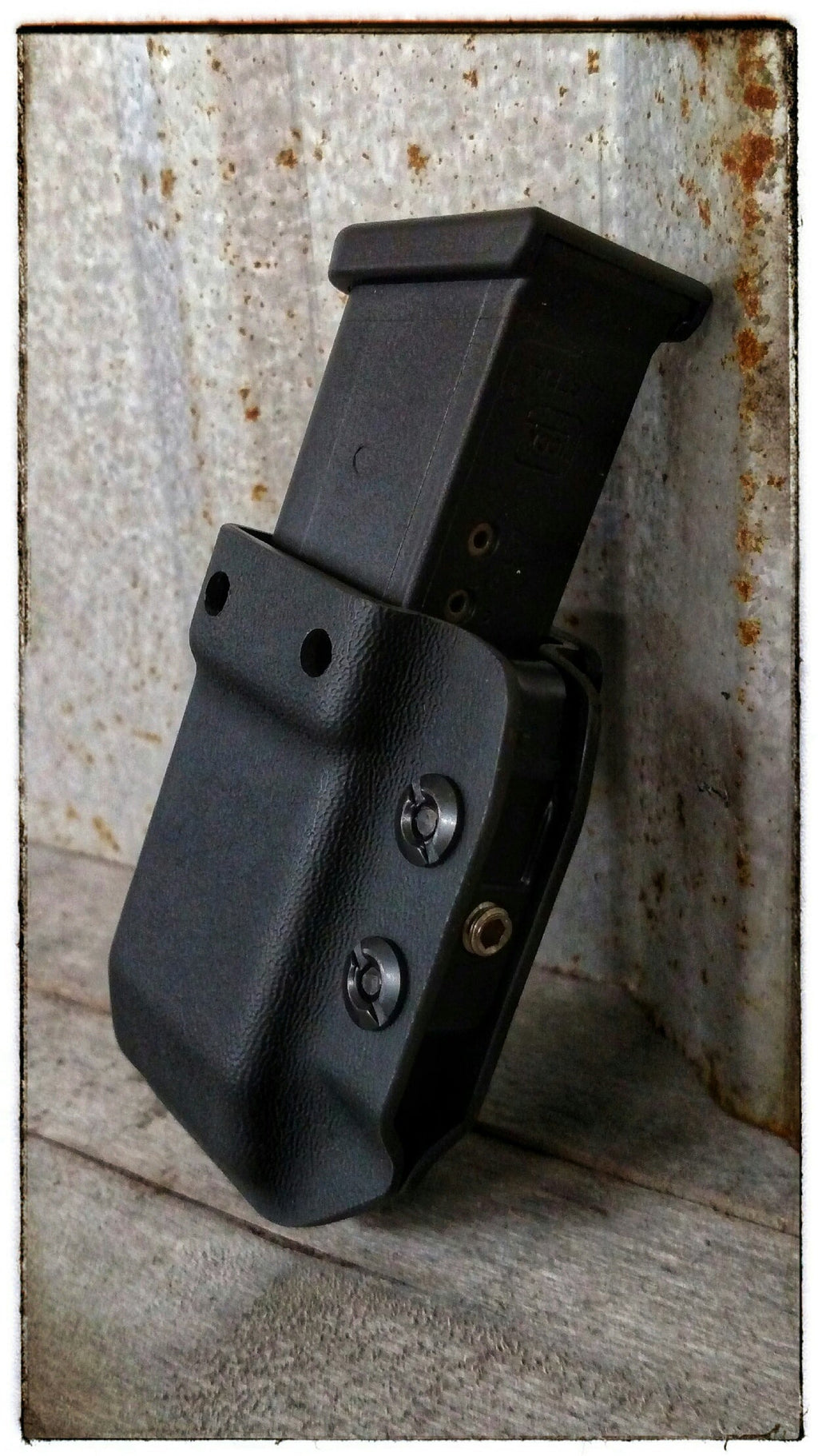 Multi - Mag Magazine Carrier, Solid Color - Cold War Concealment