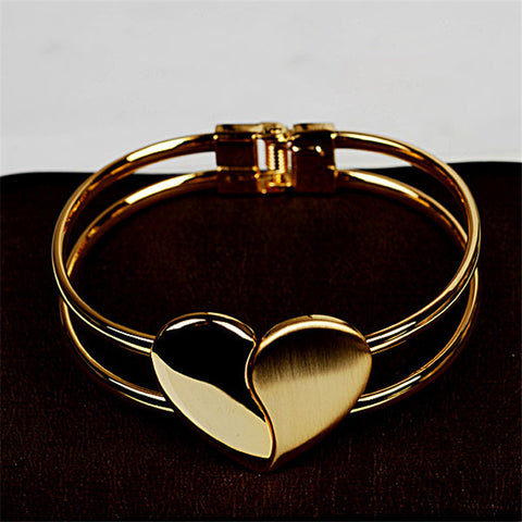 Bracelets - Elegant Double Heart Bangle