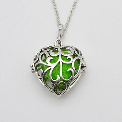 Elegant Heart Shaped Aroma Diffusing Necklace