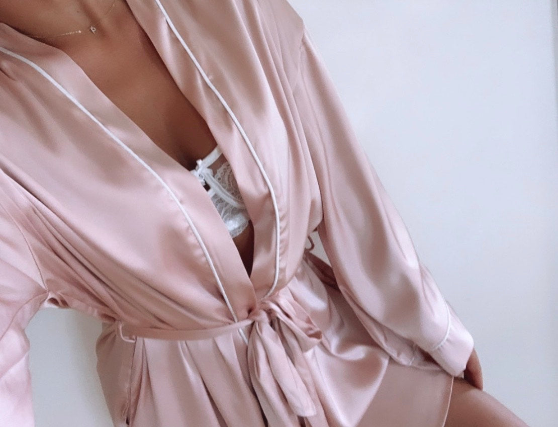 Dolce Luxe Robe - Pink/White