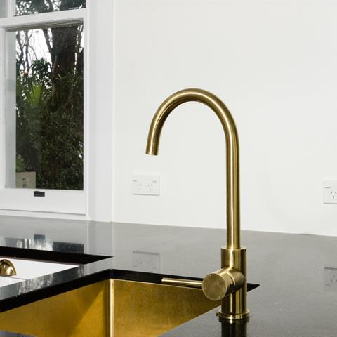 MERCER ELITE PVD GOOSENECK SINK MIXER – BRASS