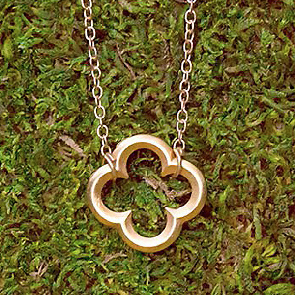 Clover Nape (Diffuser Necklace)