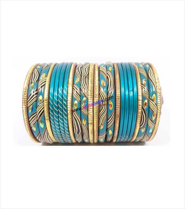 Ferozi colored lac bangle with laheriya style with stones