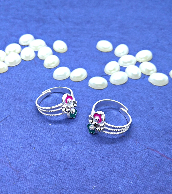 Silver Toe Rings with beautiful nag and colour