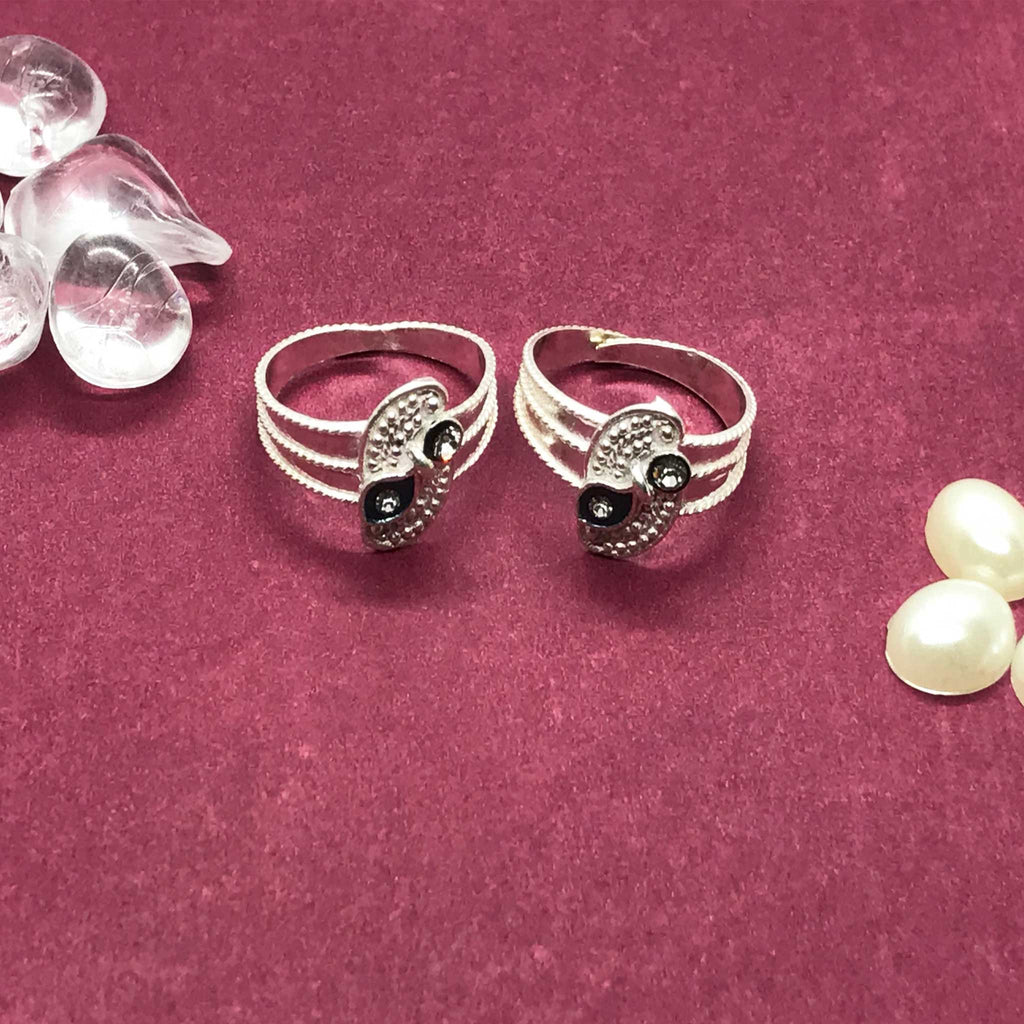 Toe Rings with beautiful nag and design