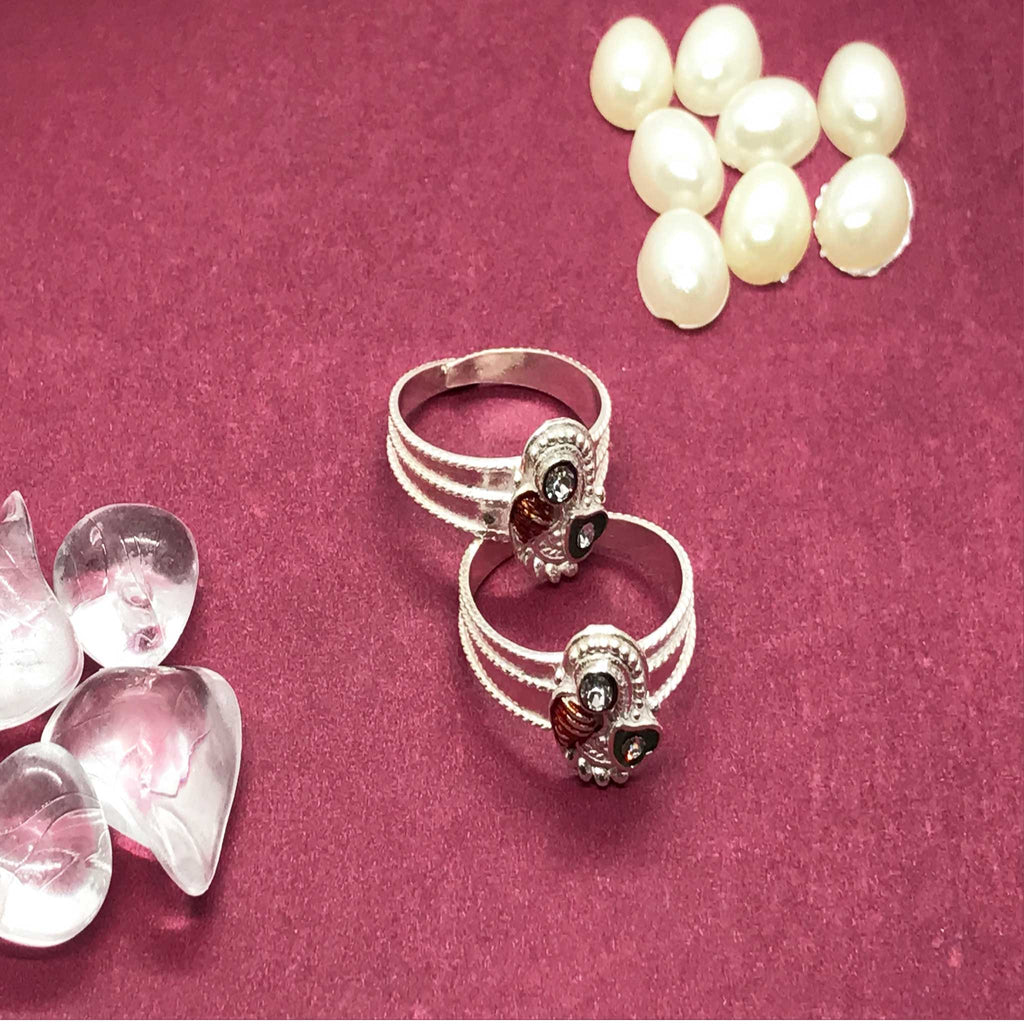 Toe Rings with beautiful design and stone