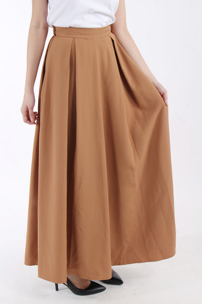 Maxi skirt with box pleats in Toffee