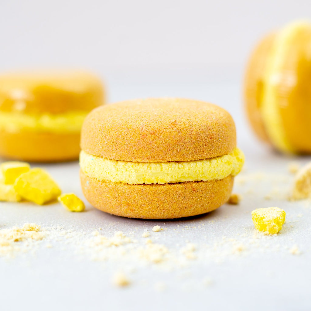 COCONUT AND PINEAPPLE BATH MACARON BY SOAP AND SOUL