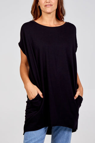 BLACK ANGEL WING TWO POCKET OVERSIZED TOP