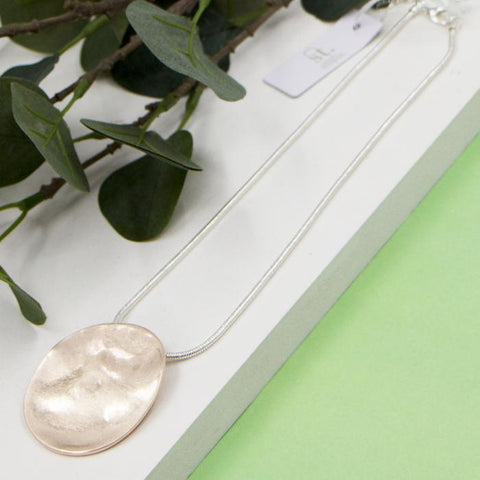 ROSE GOLD SOFT HAMMERED DISC PENDANT ON SHORT SNAKE CHAIN NECKLACE
