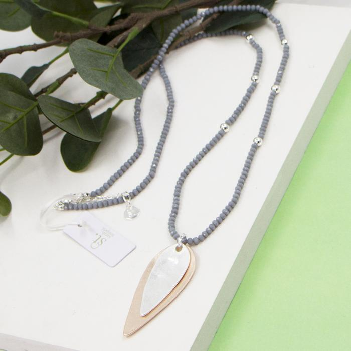 GREY BEADED AND ELONGATED OVAL SHAPE PENDANT NECKLACE