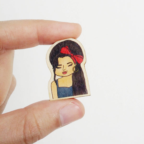Amy Winehouse Wooden Pin - PS019