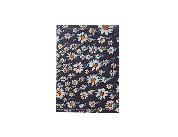 PP101 - Slim Passport Cover - Vintage Daisy