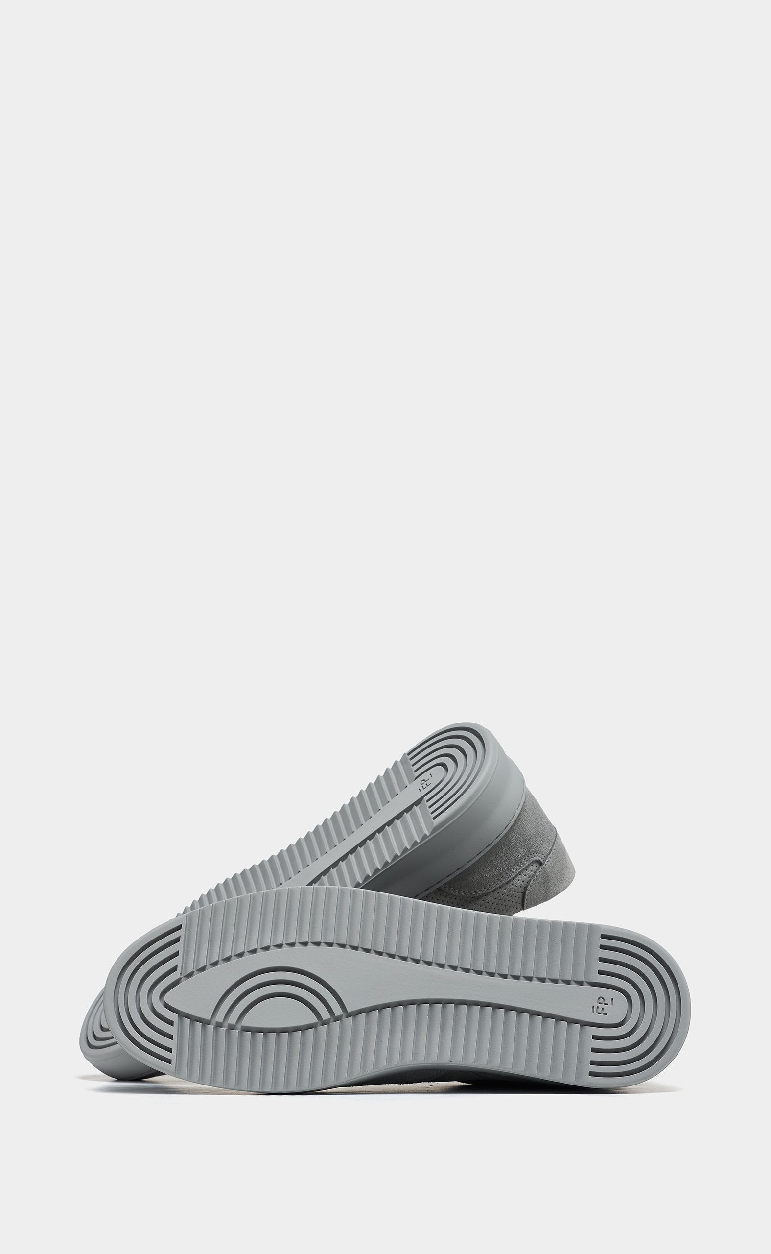 Low Mondo Ripple Suede Perforated Cement Grey