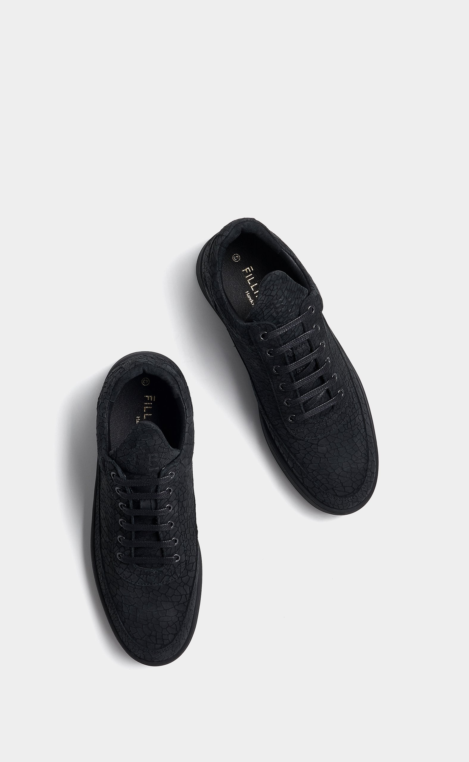 Low Top Plain Ceres Black