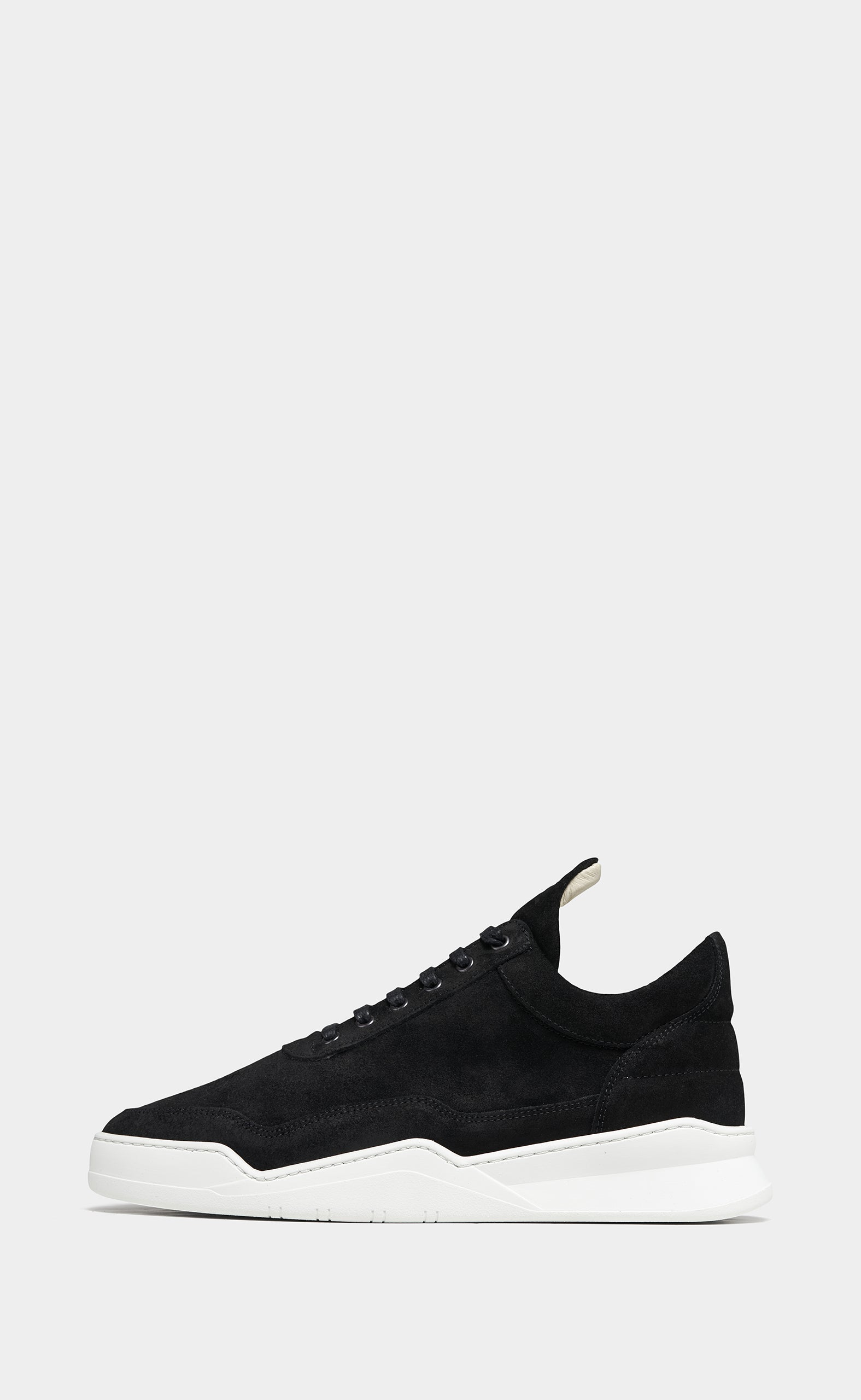 Low Top Ghost Suede Black - men