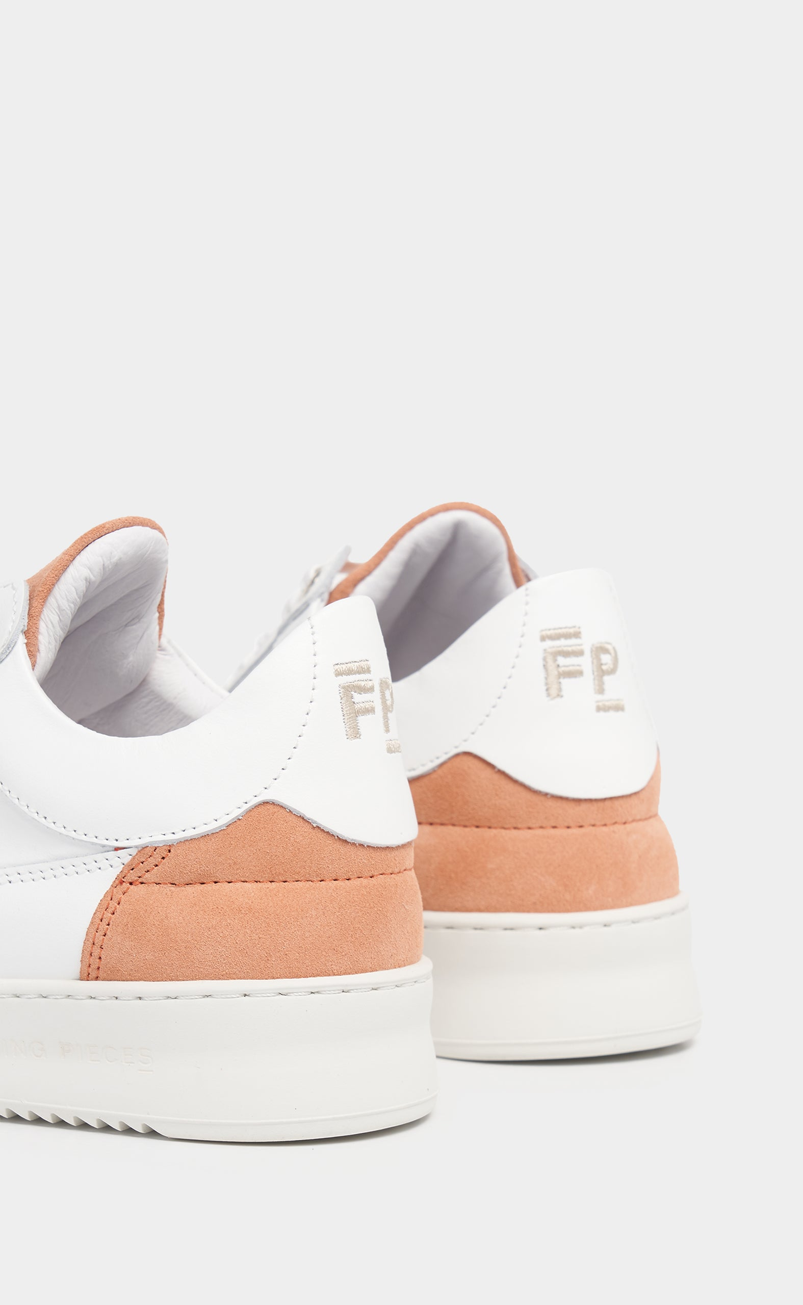 Low Eva Suede White/Pink