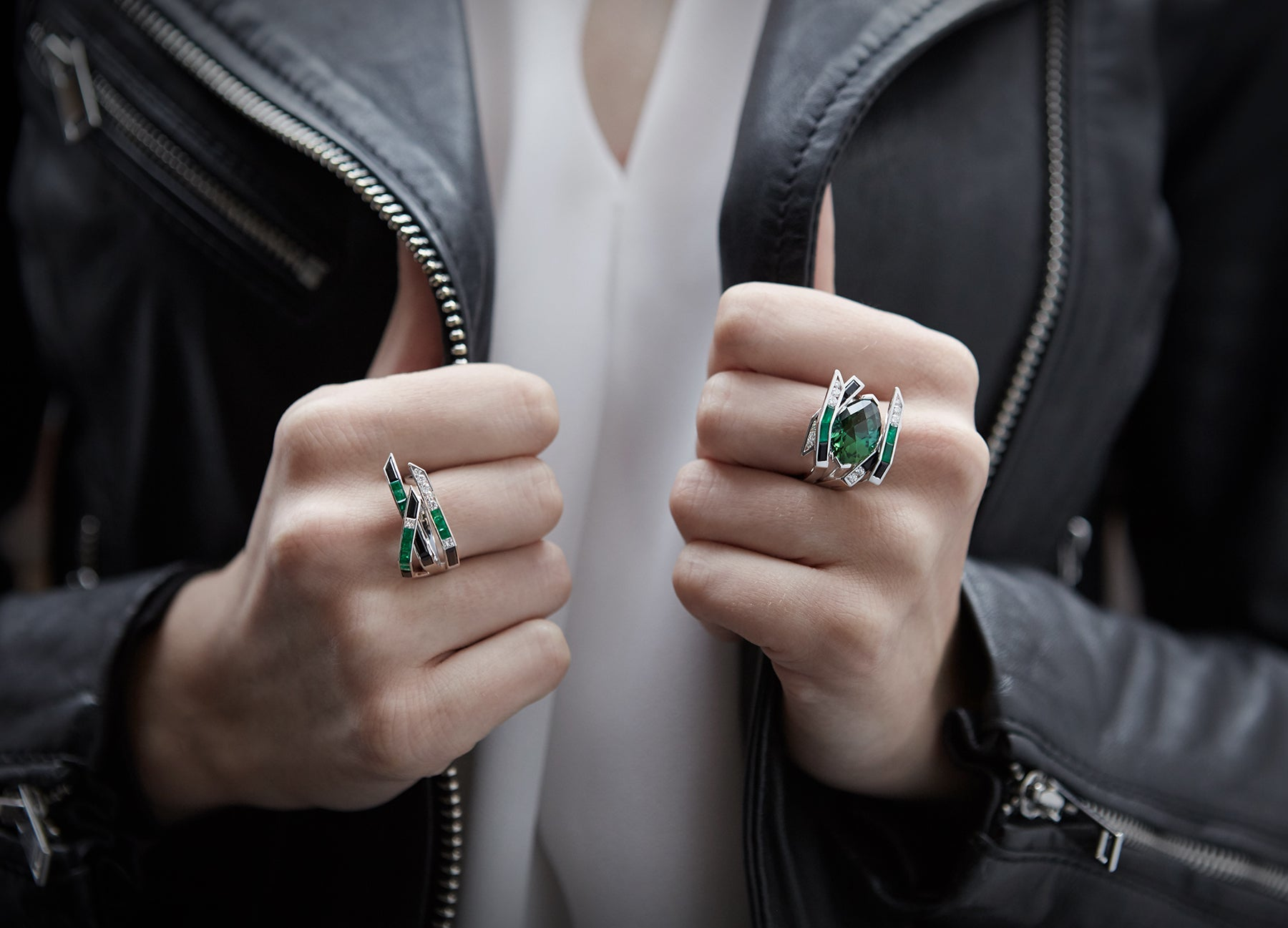 ELECTRIC NIGHT EMERALD WING RING